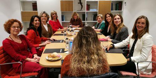 Mesa redonda en conmemoración del Día Internacional de la Mujer